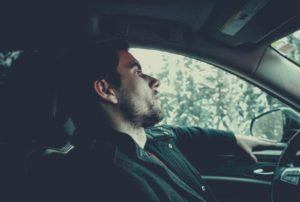 Mand i bil med alkolås
